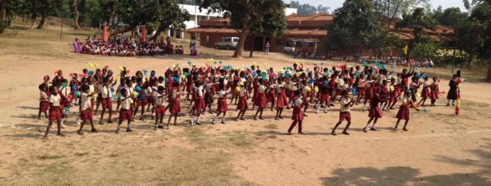bimbi-danzano-a-jareya