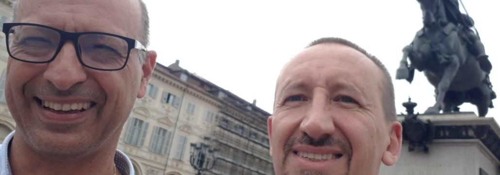 Padre Andrea Marchini e padre Ottorino Vanzaghi in piazza San Carlo a Torino